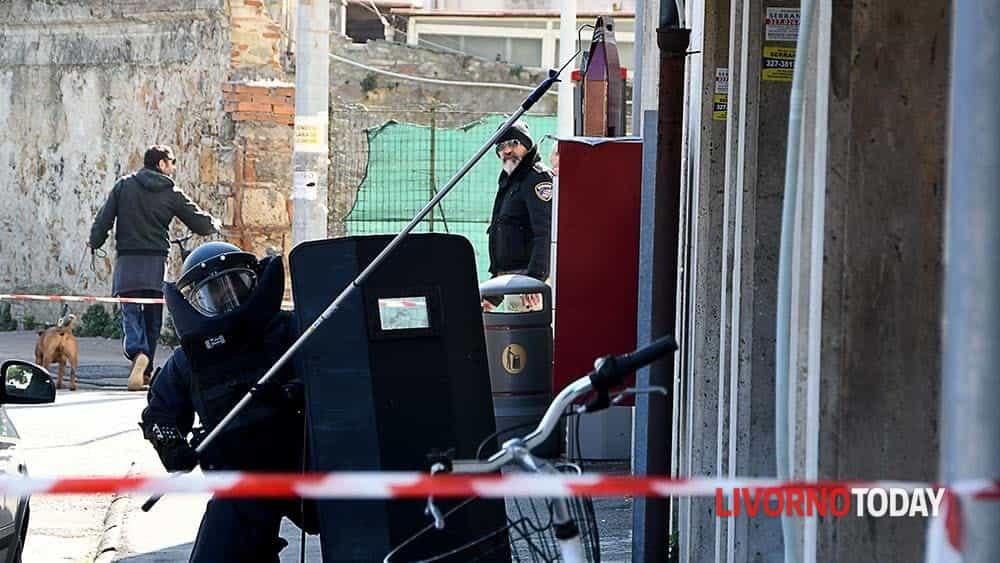 Allarme bomba piazza Matteotti (3)-2
