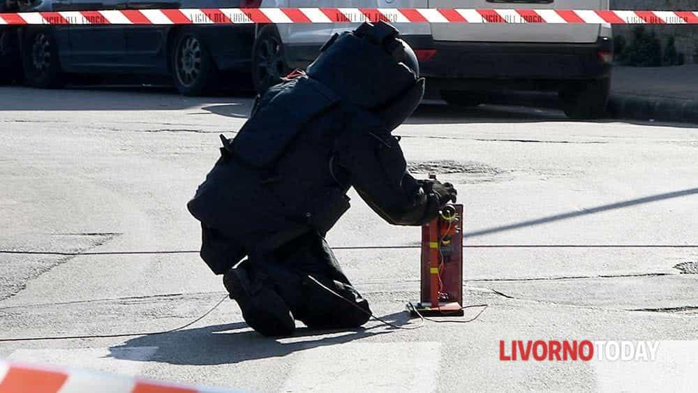 Allarme bomba piazza Matteotti (1)-2
