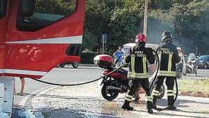 motorino a fuoco alla rotonda (4)-2