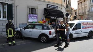 incidente viale italia edicola strillone (7)-2