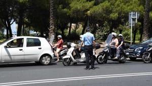 incidente viale italia edicola strillone (10)-2