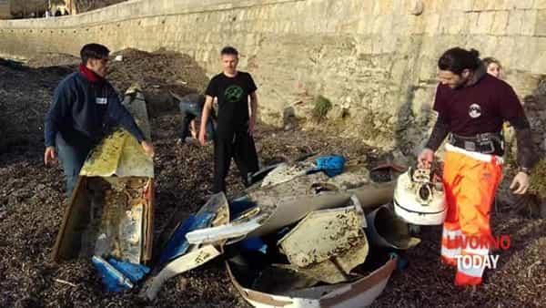 pulizia pirati plastica spiaggia felciaio cani (4)-2