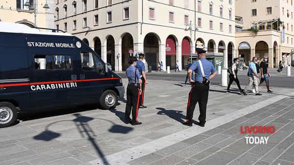 carabinieri stazione mobile piazza grande (2)-2