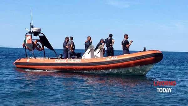 imbarcazione guardia costiera capitaneria di porto (1)-2