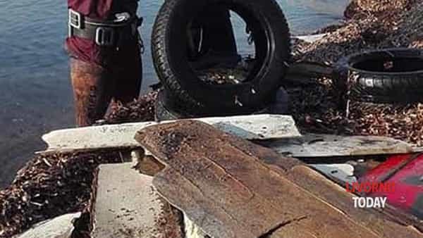 pulizia pirati plastica spiaggia felciaio cani (1)-2