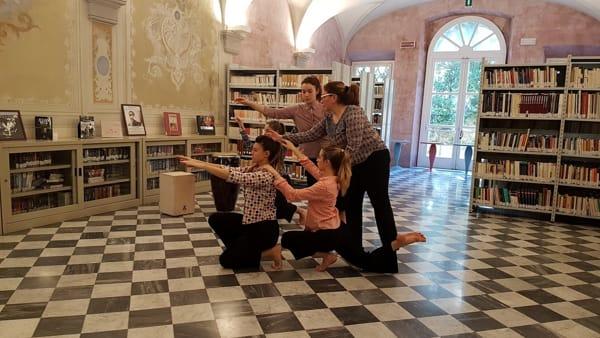 """""""Racconti di altre danze"""", arte e yoga in una performance a Villa Maria"""