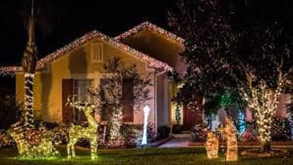 Addobbi Natalizi Luminosi.Addobbi Natalizi Esterni Come Rendere Scintillante La Propria Casa