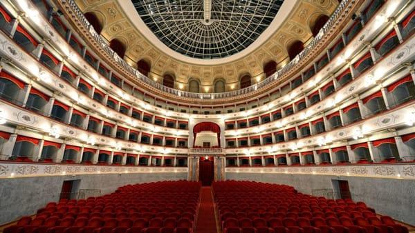 Livorno Festival, galà della danza al Teatro Goldoni. Arrivano Carla Fracci e Luciana Savignano