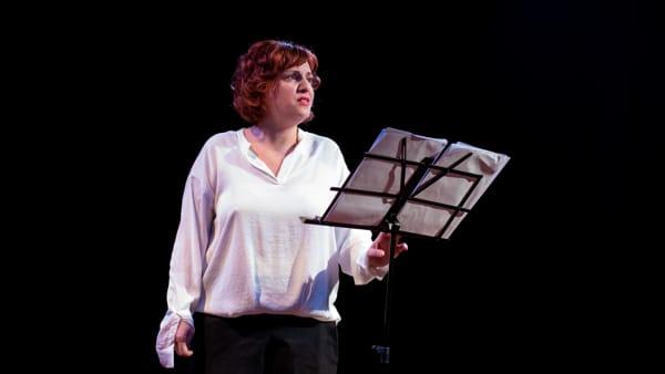 """Teatro, a Collesalvetti in scena """"La voce della memoria"""" su Anne Frank"""