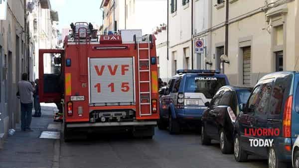 intervento polizia vvf via terrazzini (3)-2