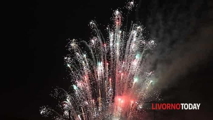 San Silvestro, i fuochi d'artificio per festeggiare il nuovo anno