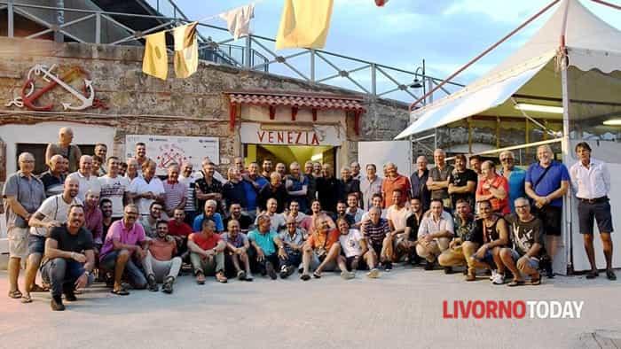 Il Venezia celebra i vogatori che hanno vinto il Palio