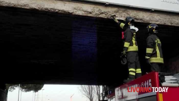 Il sopralluogo dei vigili del fuoco