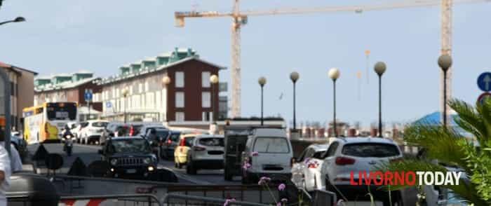 Traffico bloccato per lavori Enel