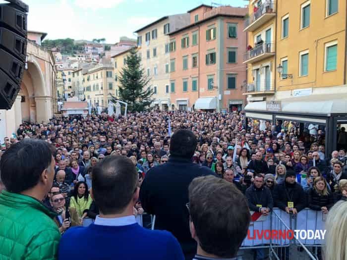 Salvini all'isola d'Elba per inaugurare la prima sede del Carroccio